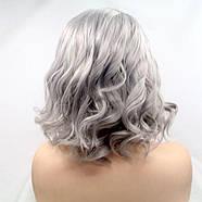 Парик женский короткий волнистый реалистичный на сетке пепельно серого цвета, фото 2