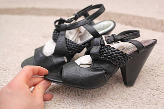 Женские босоножки Италия черные 3 модели кожа каблук-слойка 36-39