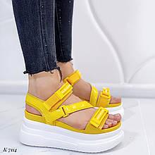 Босоножки спортивные женские желтые эко кожа+ лак + текстиль