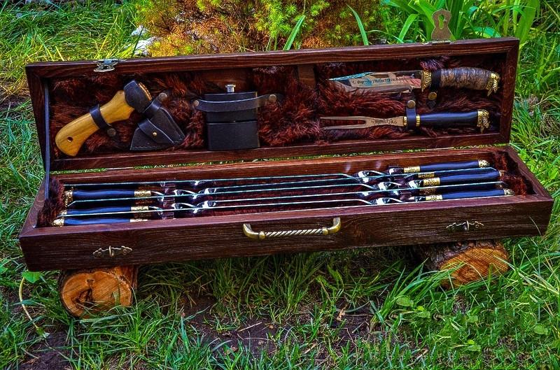 """Дорогой элитный подарок мужчине - набор дизайнерских шампуров """"Vikings"""" с аксессуарами, в кейсе из дерева"""