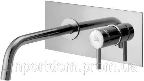 Змішувач для раковини Paffoni зі стіни, на металевій пластині, вилив - 245мм