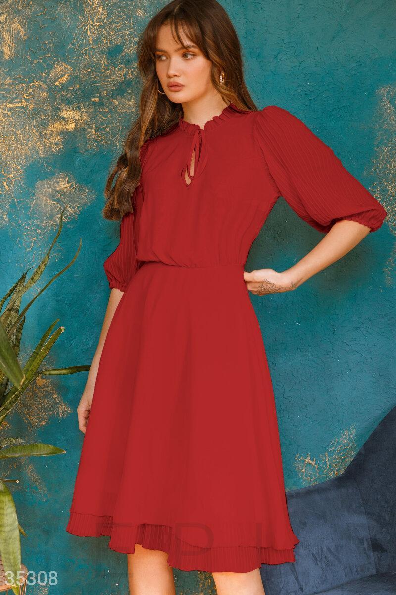Шифоновое летнее платье миди красное