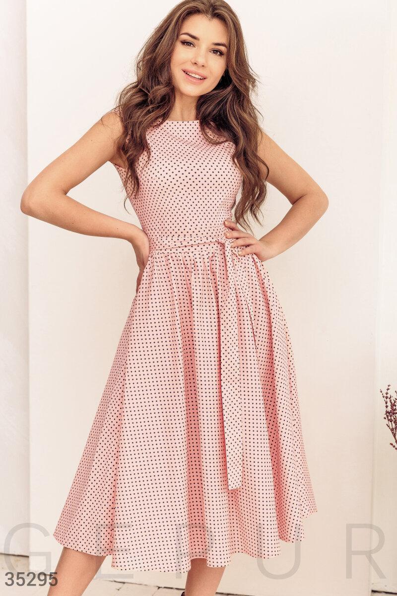Коттоновое платье миди в горошек розовое