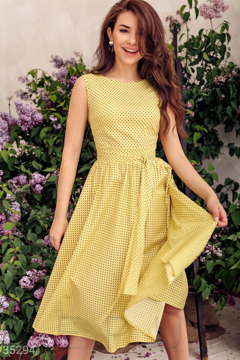 Коттоновое платье миди в горошек желтое