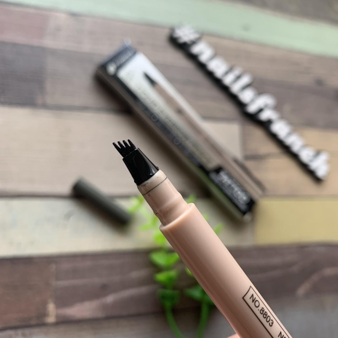 Карандаш-маркер для бровей с эффектом микроблейдинга серый