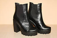 Ботильоны на каблуке кожаные черные 39 р
