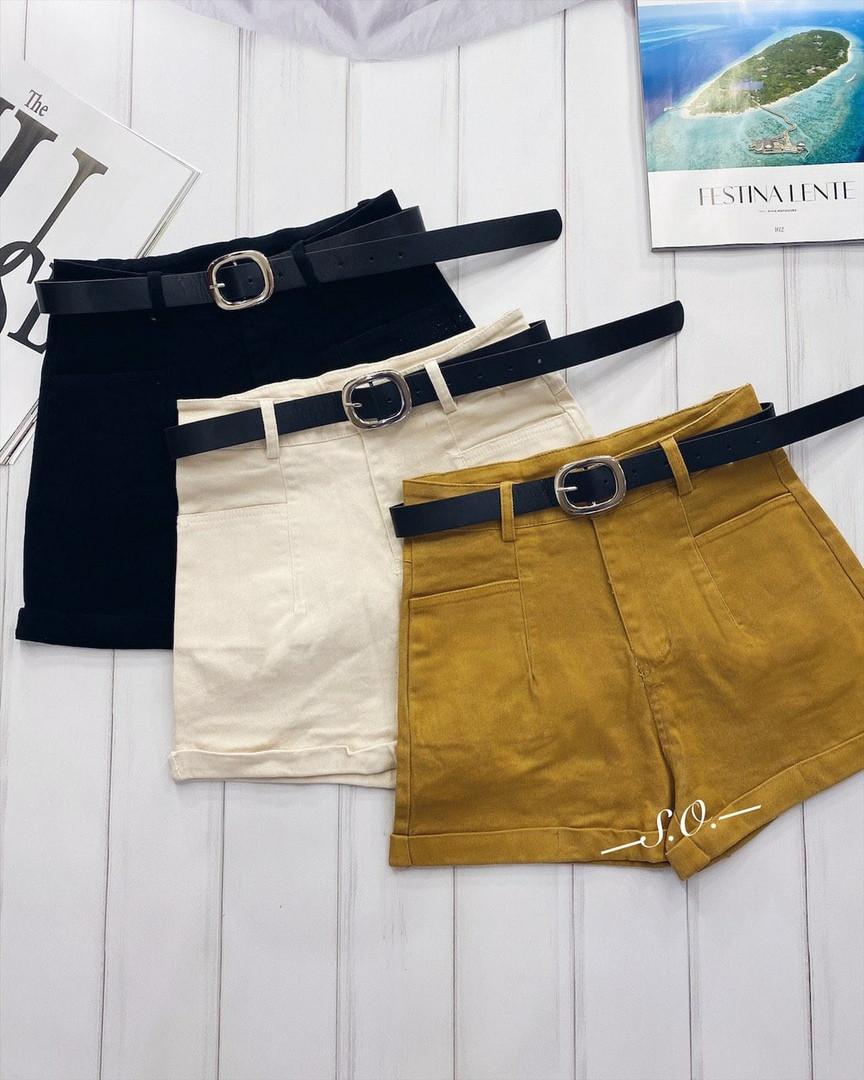 Модные короткие шорты