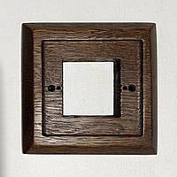 Рамка 1-местная дубовая для монтажа розеток и выключателей скрытого монтажа.