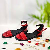 Лаковые красные босоножки без каблука, фото 1