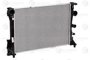 Радиатор охлаждения Mercedes-Benz C (W 204)/E (W212) (09-) 7АT (LRc 1513) LuzarA0995002703 A0995006203