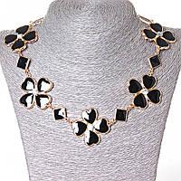 Ожерелье ромбики и цветы из сердечек со стразами-серединками, металл Gold и черный глянец [15-35 мм]
