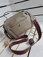 Кожаная женская сумка размером 24х16х11 см Серая