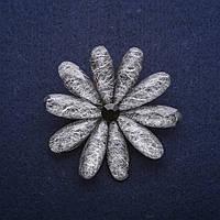 Брошь Цветок 50мм серый купить оптом в интернет магазине