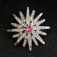 [38/38 мм] Брошь светлый металл сияющая звезда со стразами и крупным розовым камнем по центру