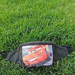 Детская поясная сумка бананка для мальчиков <<Тачки Маквин>>