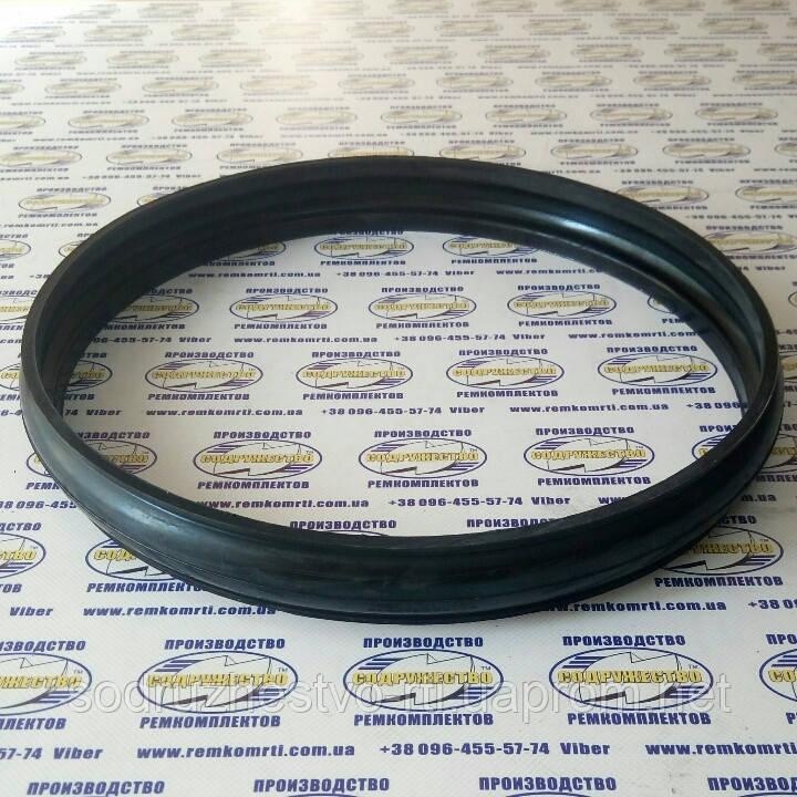 Чехол резиновый 700-40.3372 (349x328x328x43) Т-130, Т-170