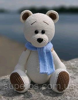 В'язана іграшка Ведмедик з голубим шарфом