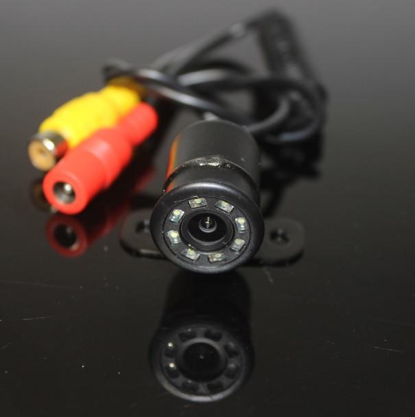 Камера заднего вида. Бабочка с диодами (КЗВ-121)