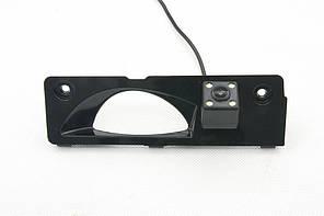 Камера заднего вида штатная для Honda Odyssey 2000-2008 (КЗШ-0903)