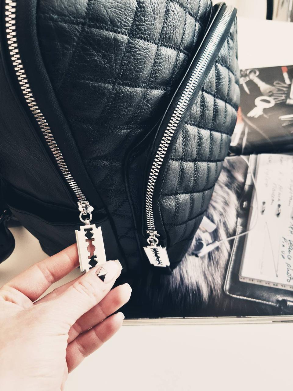 Женский рюкзак с длинной ручкой