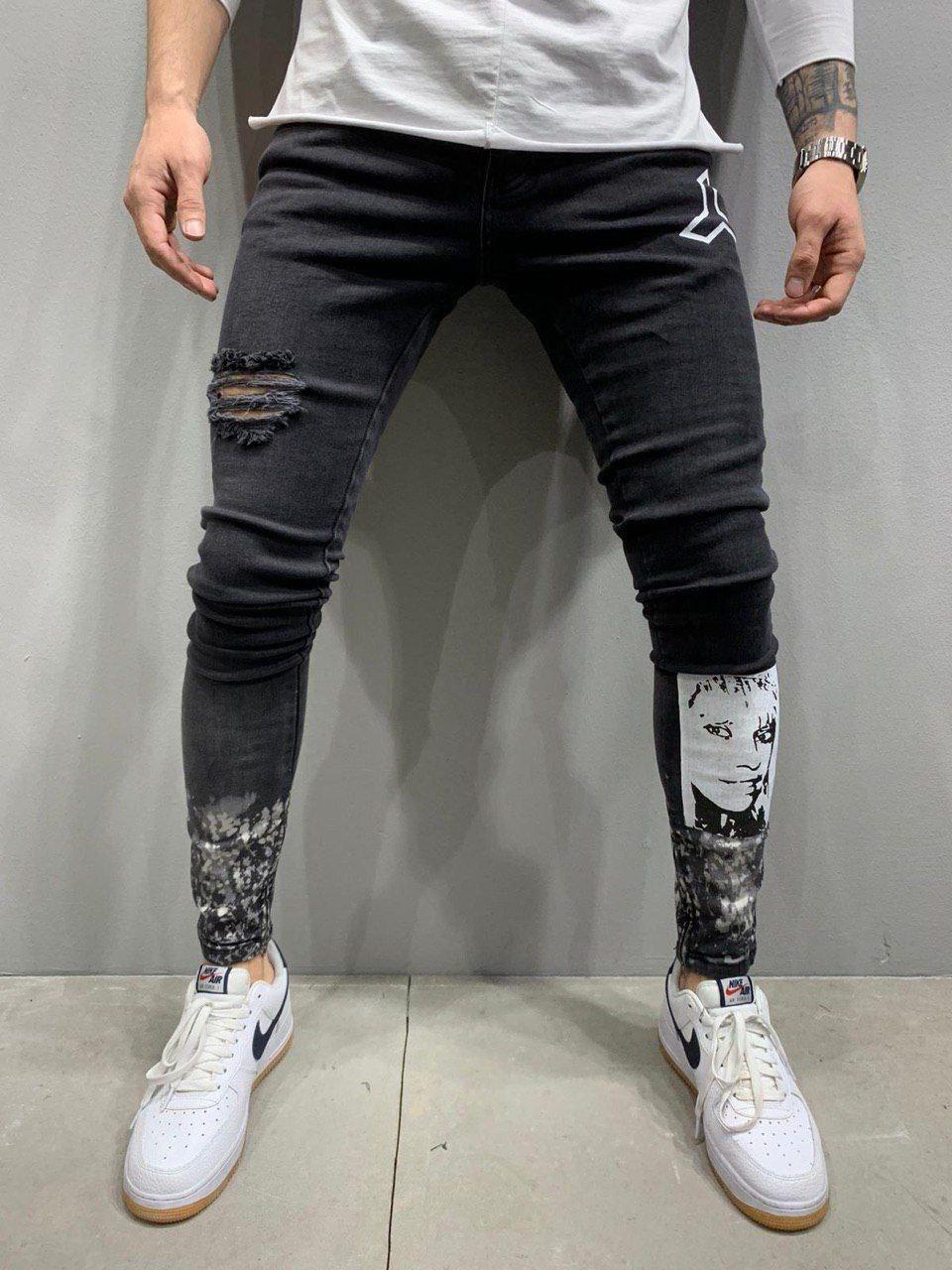 Джинси - чоловічі чорні джинси з нашивками малюнками