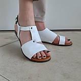 Босоніжки жіночі шкіряні білі, фото 3
