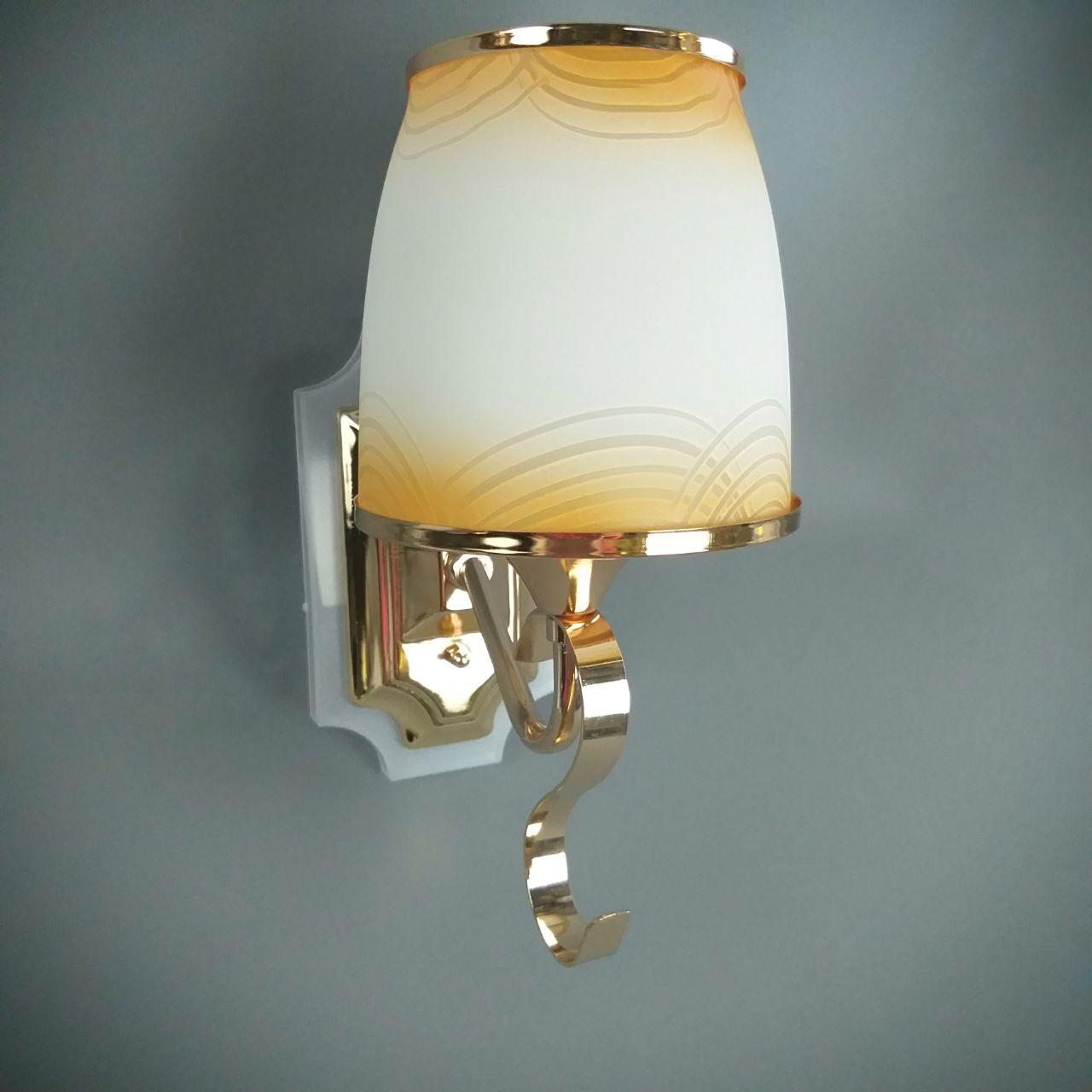 Бра на одну лампу з золотистим малюнком і підсвічуванням HQ-8220/1W