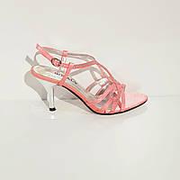 Босоножки женские текстильные на среднем клиновидном каблуке розовые, фото 1