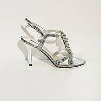 Босоножки женские текстильные на высоком клиновидном каблуке серебристые, фото 1