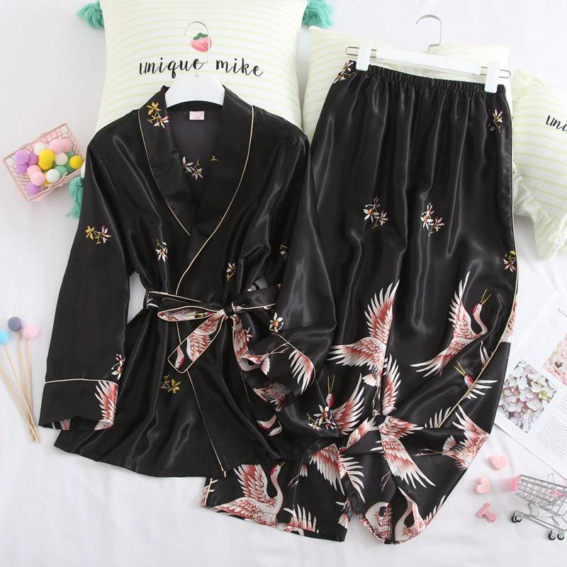 Пижамный костюм шелковый на запах. Пижама женская атласная для дома, сна, размер XL (черный)