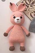 В'язана м'яка іграшка Зайчик з морквою, фото 2