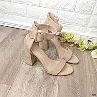 Босоножки на устойчивом каблуке Lisa 40, 41 размер