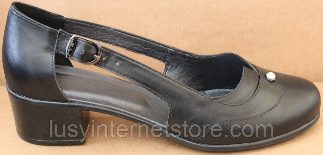 Закриті босоніжки на повну ногу шкіряні на підборах від виробника модель БД16
