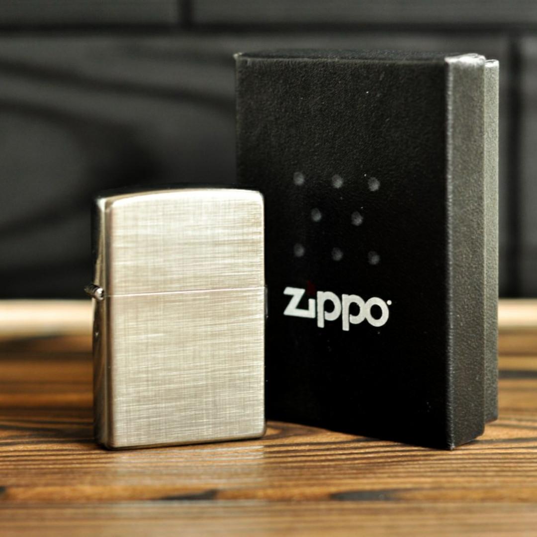 Запальничка Zippo 28181 Reg Linen Weave