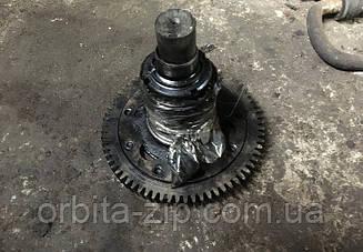 7511-1029120-10 Ось ведомой шестерни привода ТНВД ЯМЗ 7511 с шестерней в сборе (снята с двигателя)