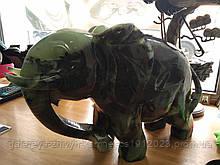 Слон из зелёного Саянского нефрита