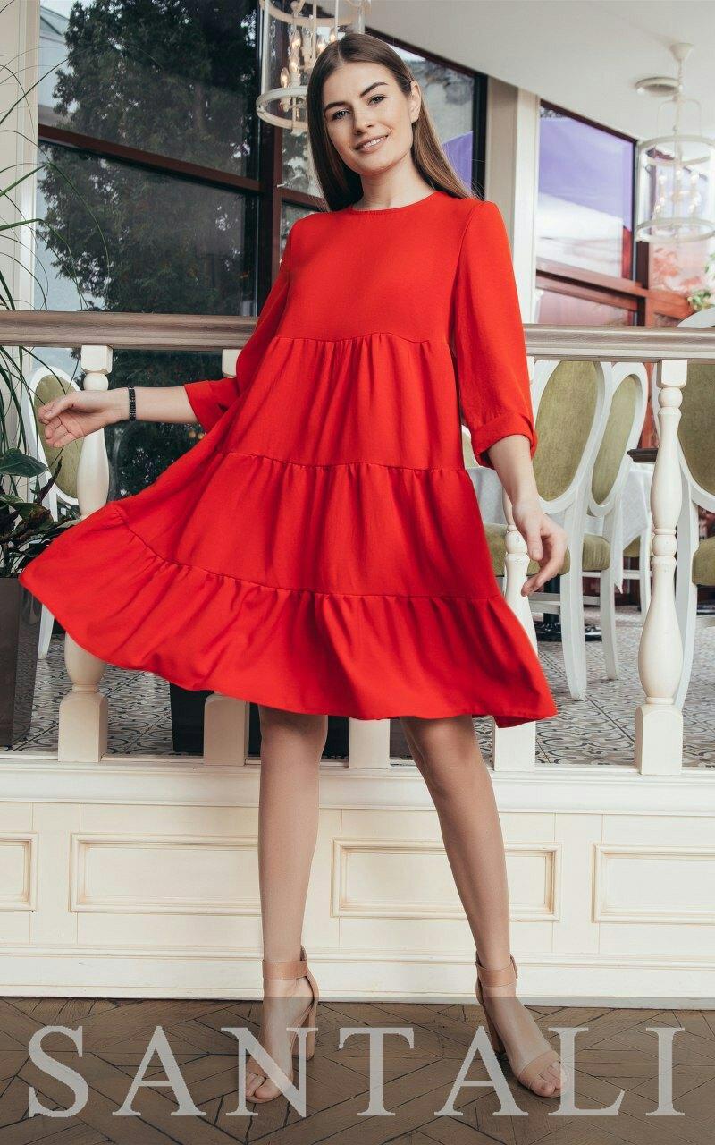 Свободное платье трапеция на лето из жатого хлопака с оборками и рукавом 3/4 vN7960