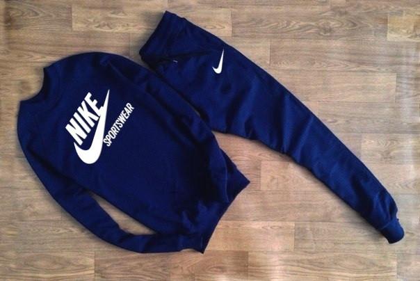 Чоловічий Спортивний костюм Nike т. синій Sportswear