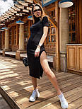 Черное платье облегающее с высоким горлом, коротким рукавом и разрезом на ноге vN8104, фото 4