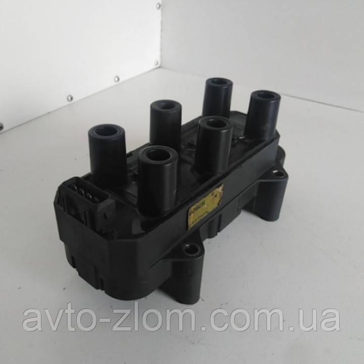 Катушка зажигания Opel Omega B, Vectra B, Опель Омега Б, Вектра Б 2,5 - 3,0 V6. 0221503010.