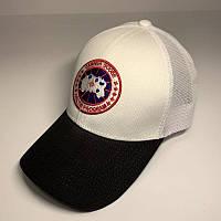 Бейсболка унисекс Canada Goose реплика Белая с черным козырьком с сеткой