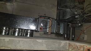 Через противопожарный клапан вытяжной воздух выводится в вытяжной канал дома.