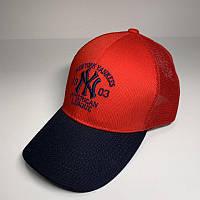 Бейсболка унисекс New York Yankees реплика Красная с черным козырьком с сеткой