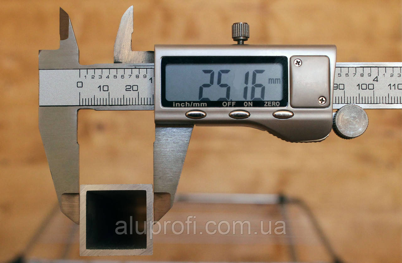 Труба алюминиевая 25х25х1,5мм АД31 Т5