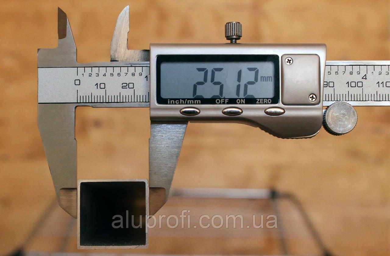 Труба алюминиевая 25х25х1,0мм АД31