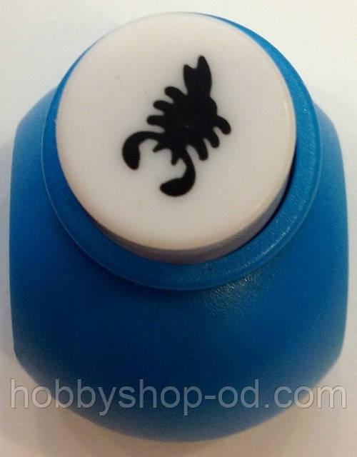 Діркопробивач Скорпіон 1 см кнопка