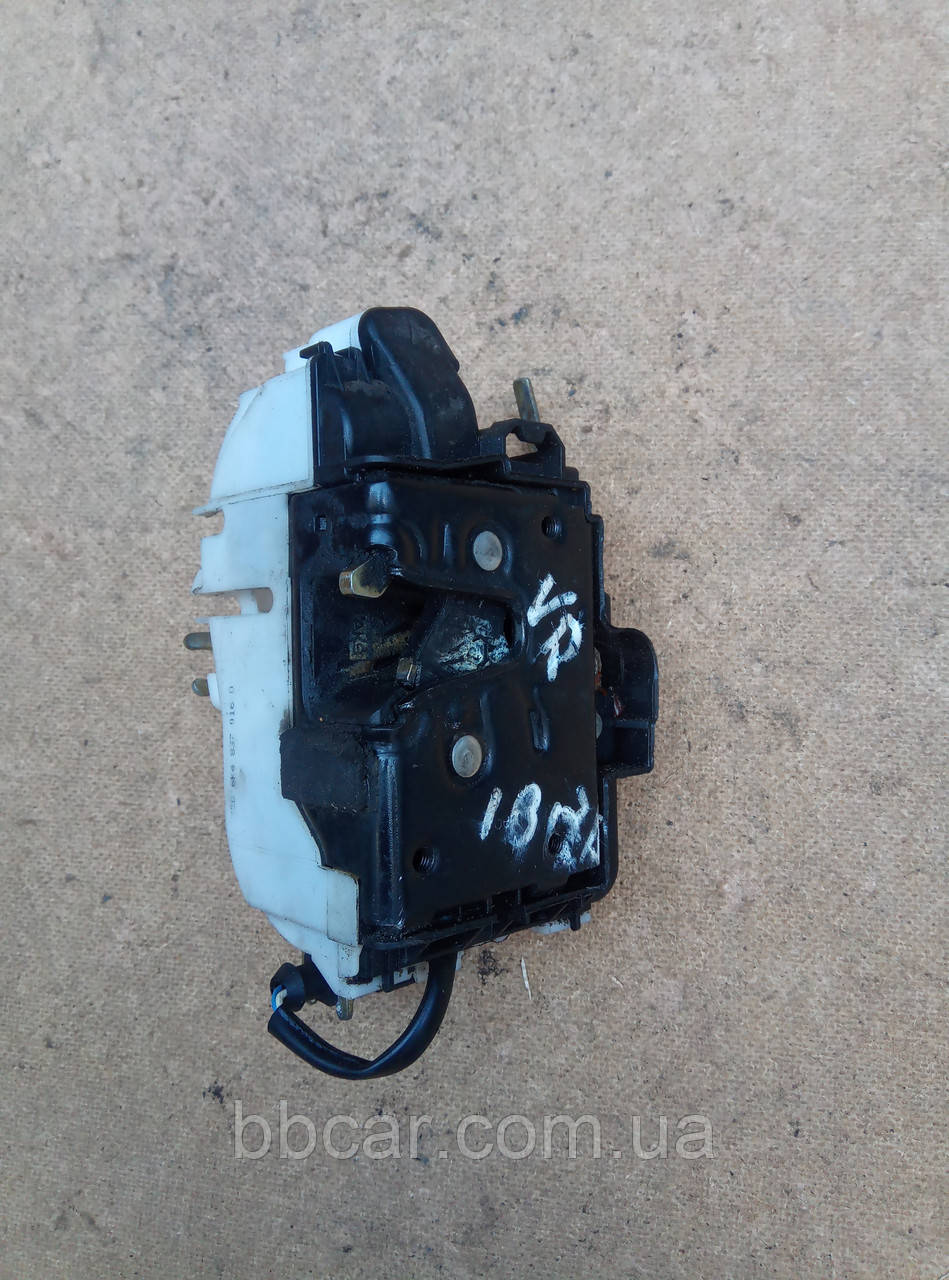 Дверной замок ( передний правый ) Seat Ibiza 6K4837016D