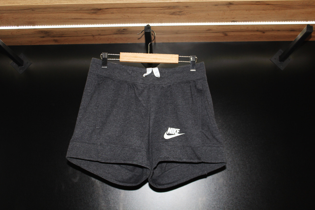 Шорты женские Nike / CLO-026 (Размеры:M,L)