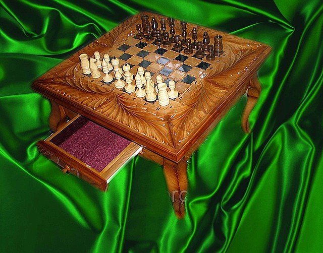 Купить шахматный стол с доставкой