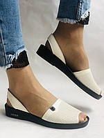 Модні босоніжки, білі на низькій платформі.Натуральна шкіра. Магазин .38.40 Vellena, фото 3